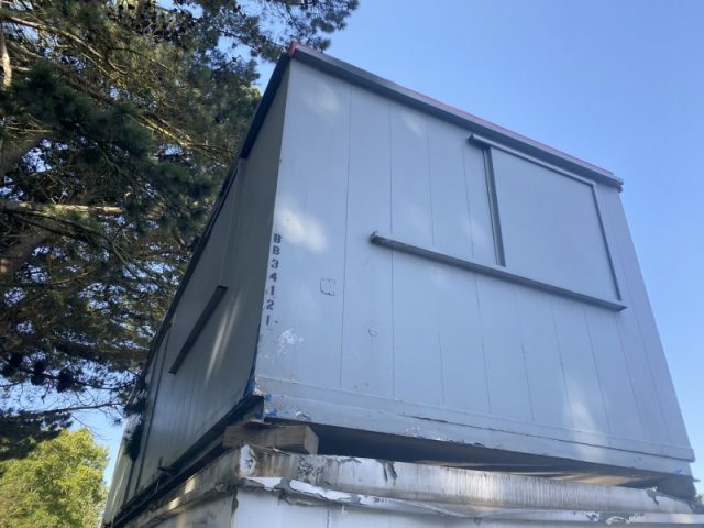 32ft x 10ft SITE OFFICE PORTABLE BUILDING WITH 2+1 TOILET DISABLED