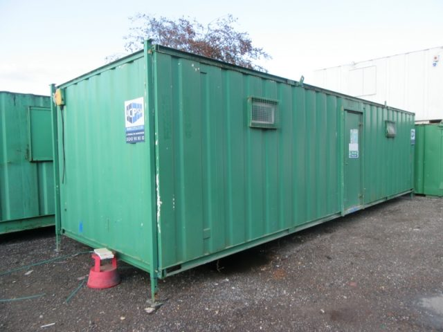 32ft x 10ft SITE CHANGING PORTABLE BUILDING WITH TOILETS AND SHOWER